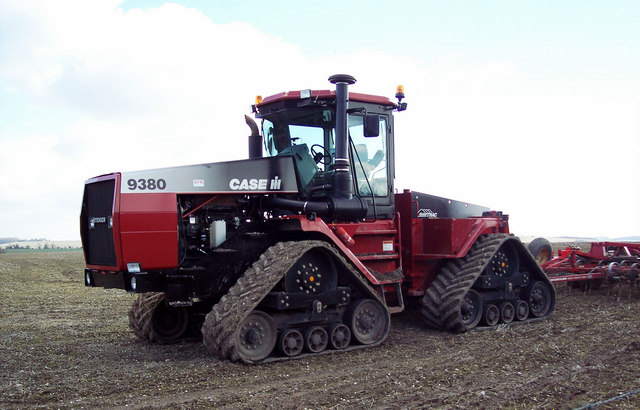 Big_Tractor!_-_geograph.org.uk_-_324497